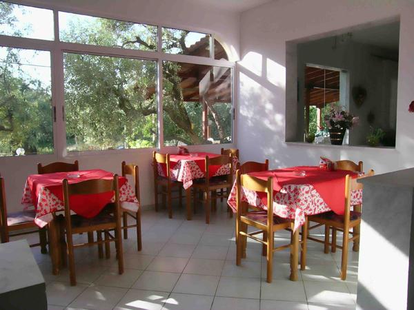 Grcka hoteli letovanje, Tasos, Skala Rahoni, Hotel Filippos, restoran