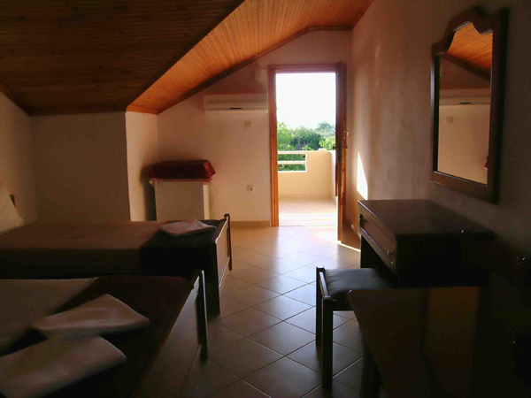 Grcka hoteli letovanje, Tasos, Skala Rahoni, Hotel Filippos, izgled spavaće sobe