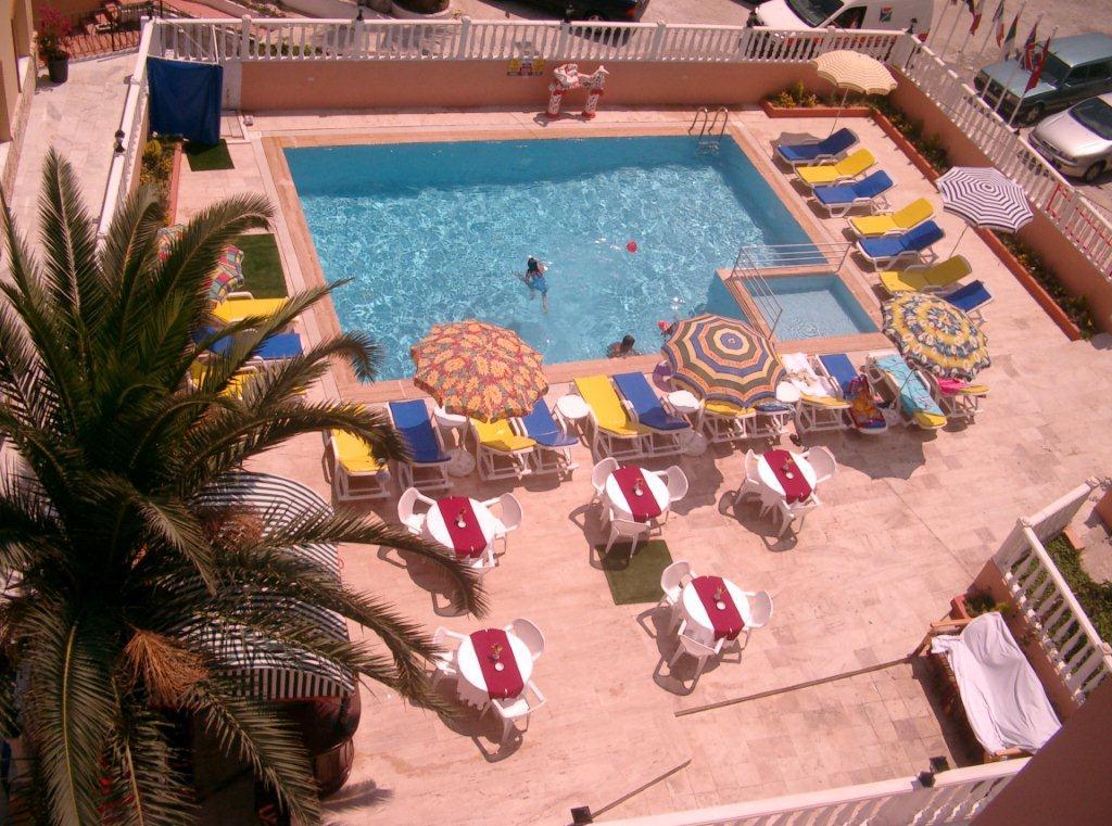 Letovanje Turska autobusom, Kusadasi, Hotel Grand Nett,pgled na bazen