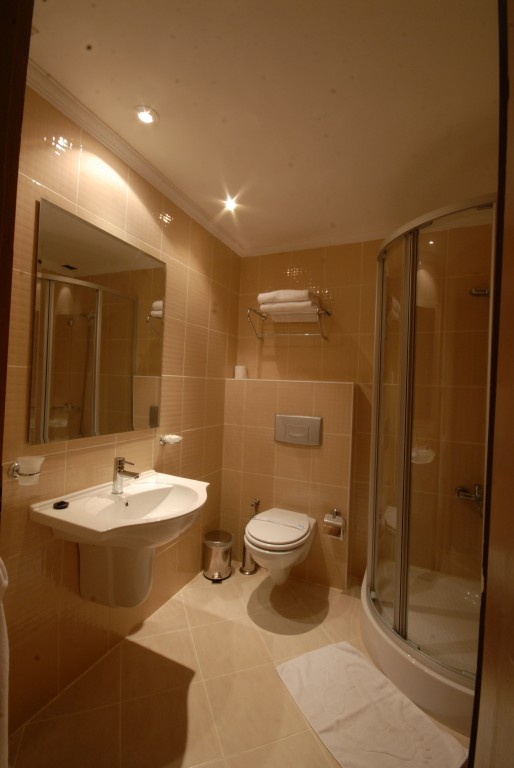 Letovanje Turska autobusom, Sarimsakli, Hotel Buyuk Berk,kupatilo