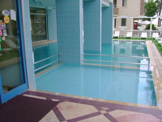 Letovanje Turska autobusom, Sarimsakli, Hotel Grand Milano,hotelski bazen