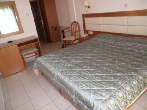 Grcka hoteli letovanje, Paralia,Regina Mare, francuski krevet