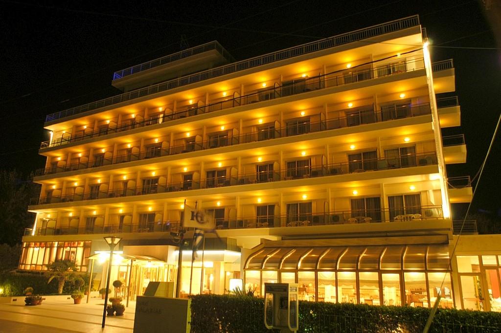 Grcka hoteli letovanje, Santa Wellness, noću