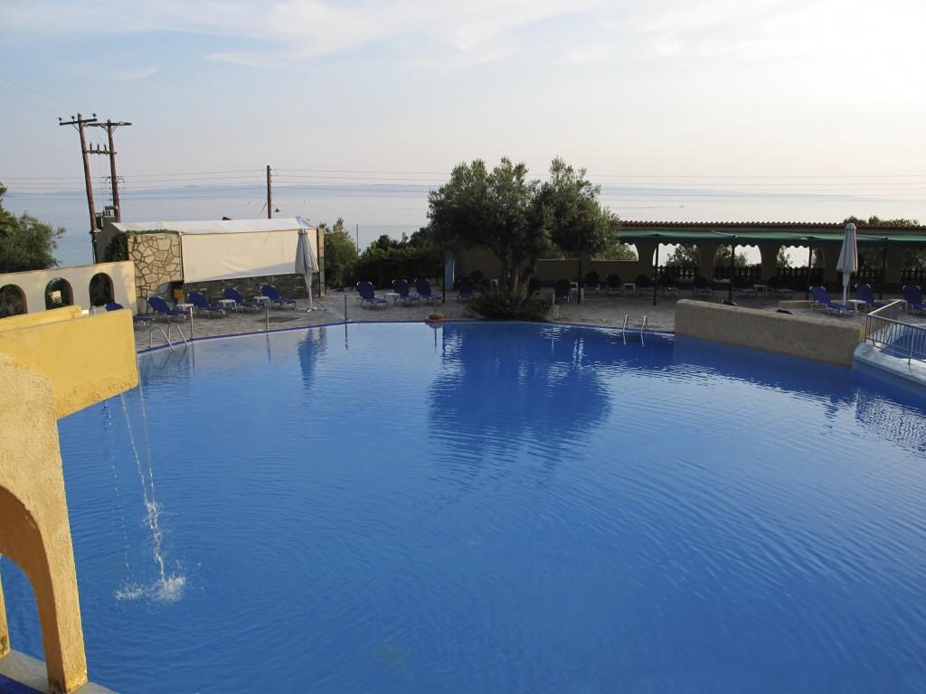 Grcka hoteli letovanje, Halkidiki, Elia Beach,Acrotel Elea Beach,izgled bazena
