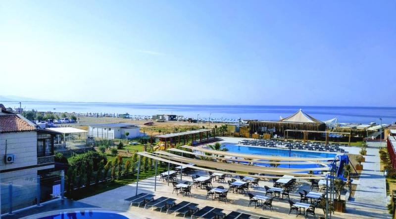 Letovanje Turska autobusom, Sarimsakli, Hotel Musho, bazeni i bar na bazenu