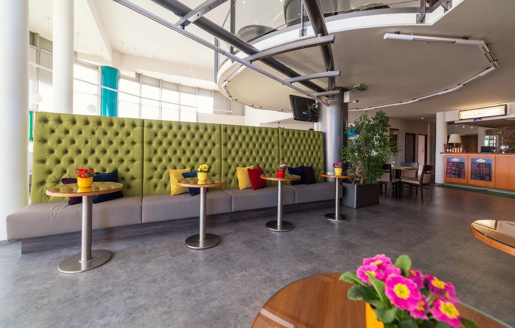 Putovanje Beč, evropski gradovi, hotel Life hotel Viena Airport, bar