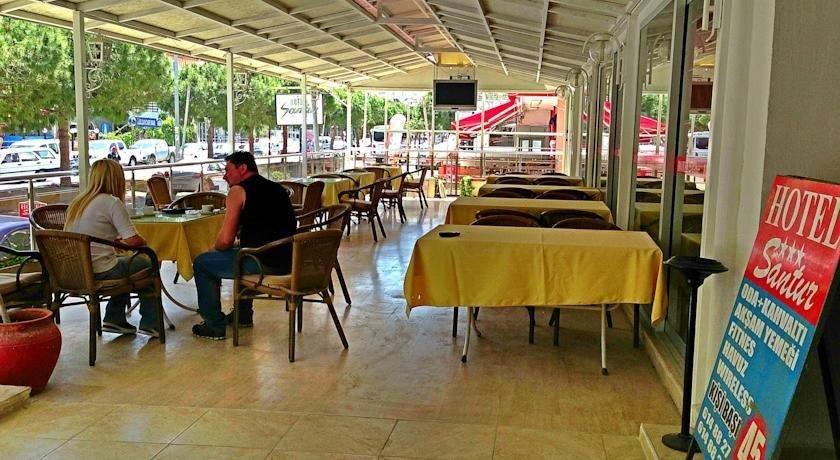 Letovanje Turska autobusom, Kusadasi, Hotel Santur,restoran ka ulici