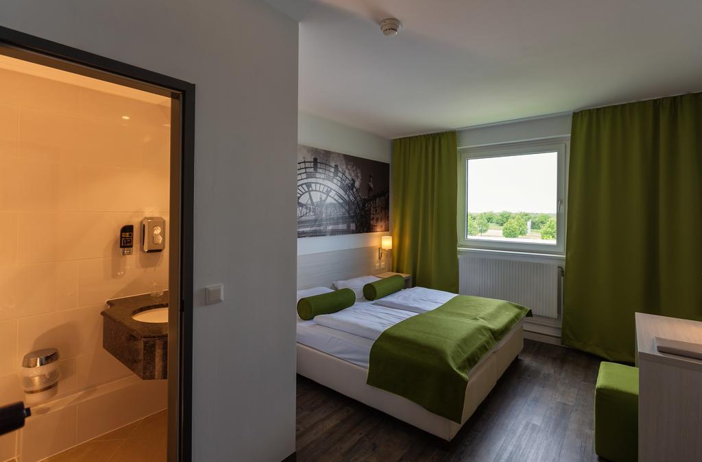 Putovanje Beč, evropski gradovi, hotel Life hotel Viena Airport, izgled sobe