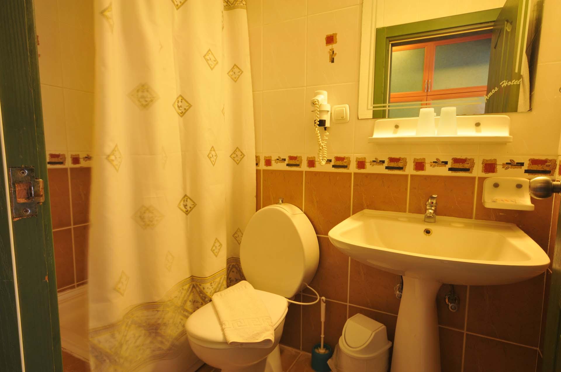 Letovanje Turska autobusom, Marmaris,Hotel Amos Marmaris kupatilo