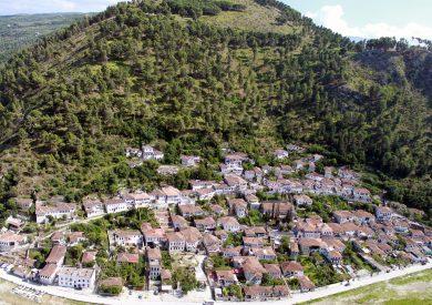 Putovanje Berat, evropski gradovi, putovanje Albanija,Berat panorama