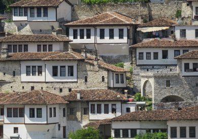 Putovanje Berat, evropski gradovi, putovanje Albanija,Berat stare kuće