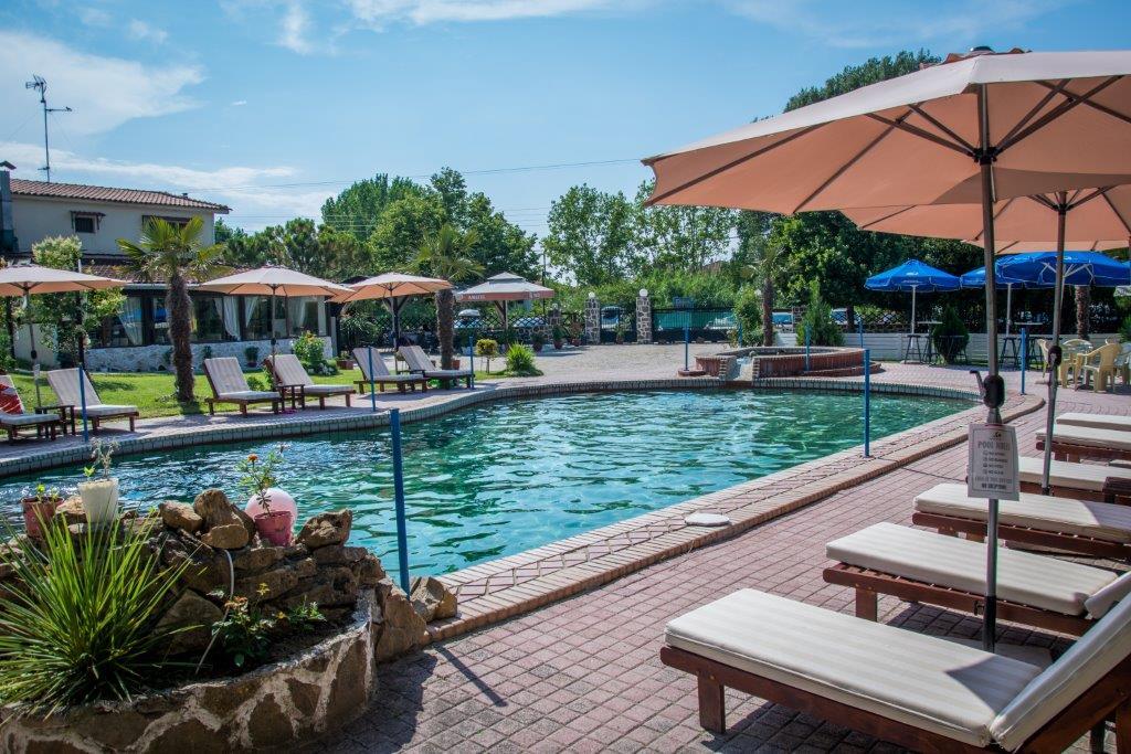 Grcka hoteli letovanje, Halkidiki, Siviri,Jenny,ležaljke na bazenu