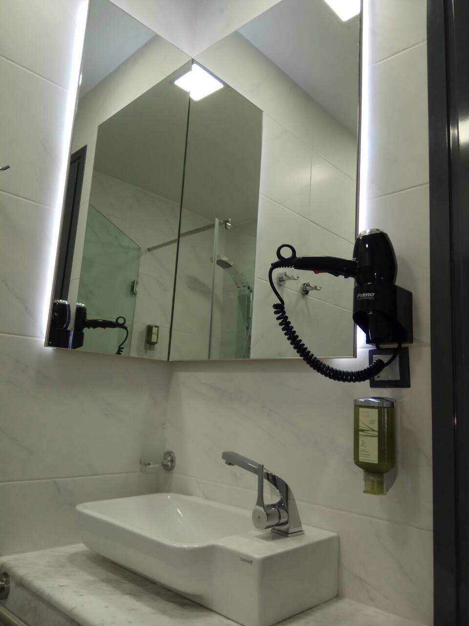 Grcka hoteli letovanje, Halkidiki, Nea Mudania,Katrin Luxury studios,fen kupatila