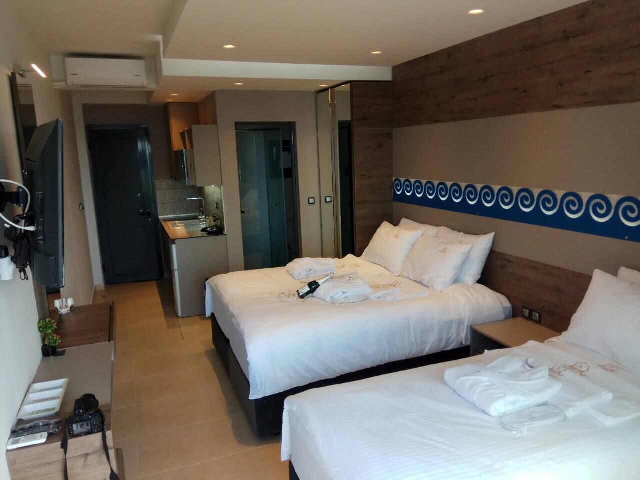 Grcka hoteli letovanje, Halkidiki, Nea Mudania,Katrin Luxury studios,pogled na sobu