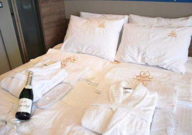 Grcka hoteli letovanje, Halkidiki, Nea Mudania,Katrin Luxury studios,porodična soba u studiju