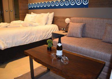 Grcka hoteli letovanje, Halkidiki, Nea Mudania,Katrin Luxury studios,porodična soba u vili
