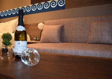 Grcka hoteli letovanje, Halkidiki, Nea Mudania,Katrin Luxury studios,vino dobrodošlice