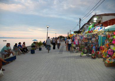 Letovanje Polihrono apartmani - Halkidiki - Grčka, šetalište pored mora