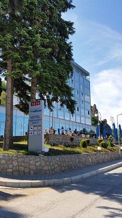 Putovanje Ohrid, evropski gradovi, hotel Aqualina, objekat