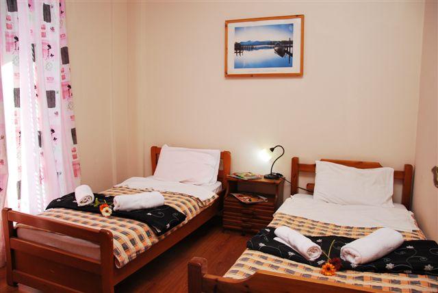 Grcka hoteli letovanje, Halkidiki, Siviri,Jenny,izgled  dvokrevetne sobe