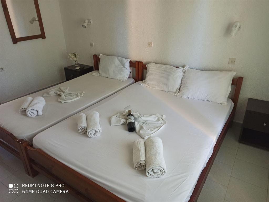 Grcka hoteli letovanje, Halkidiki, Siviri,Vila Sirtaki,trokrevetna soba