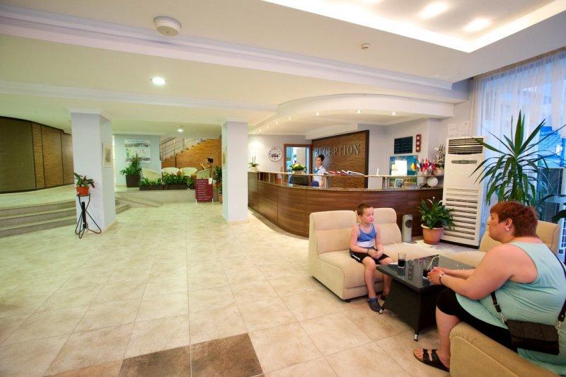 Letovanje Bugarska autobusom, Sunčev breg, Hotel Dunav, prostor oko recepcije