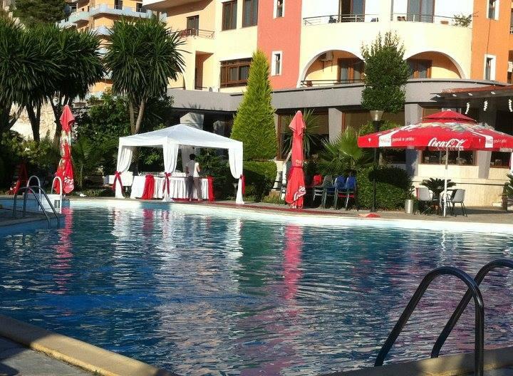 Letovanje Albanija autobusom, Saranda, hotel Mediterrane,izgled bazen