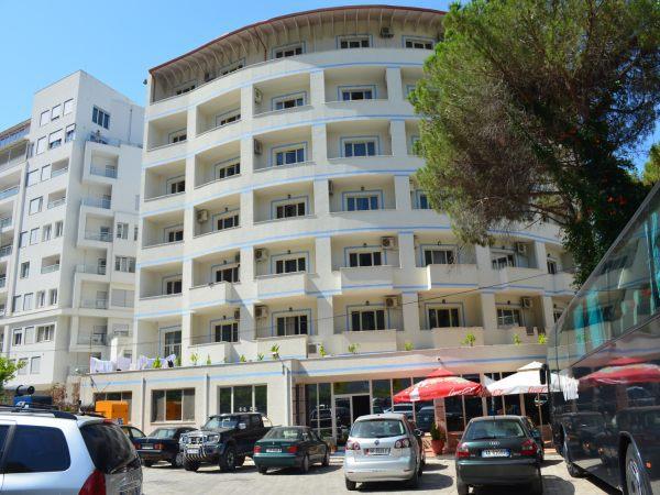 Letovanje Albanija autobusom, Drač, Hotel Leonardo, eksterijer