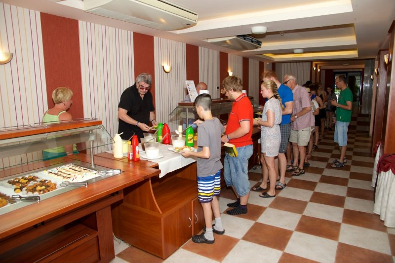 Letovanje Bugarska autobusom, Sunčev breg, Hotel Dunav, izgled svedskog stola
