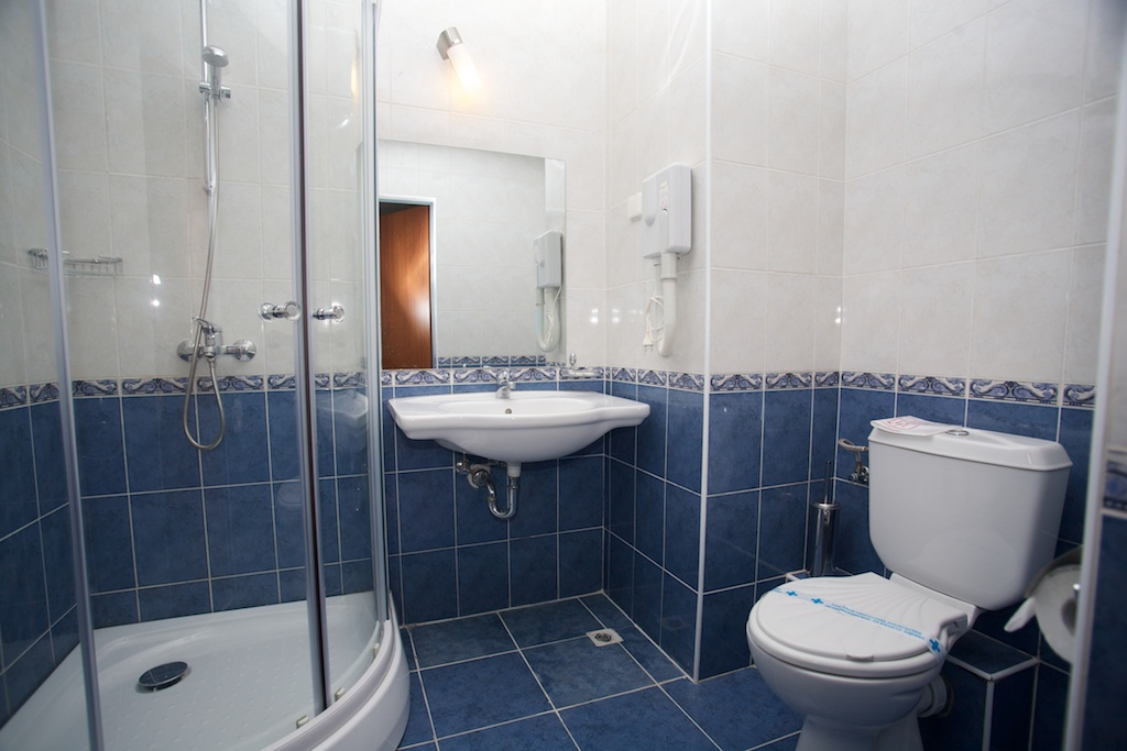 Letovanje Bugarska autobusom, Sunčev breg, Hotel Dunav, izgled kupatila