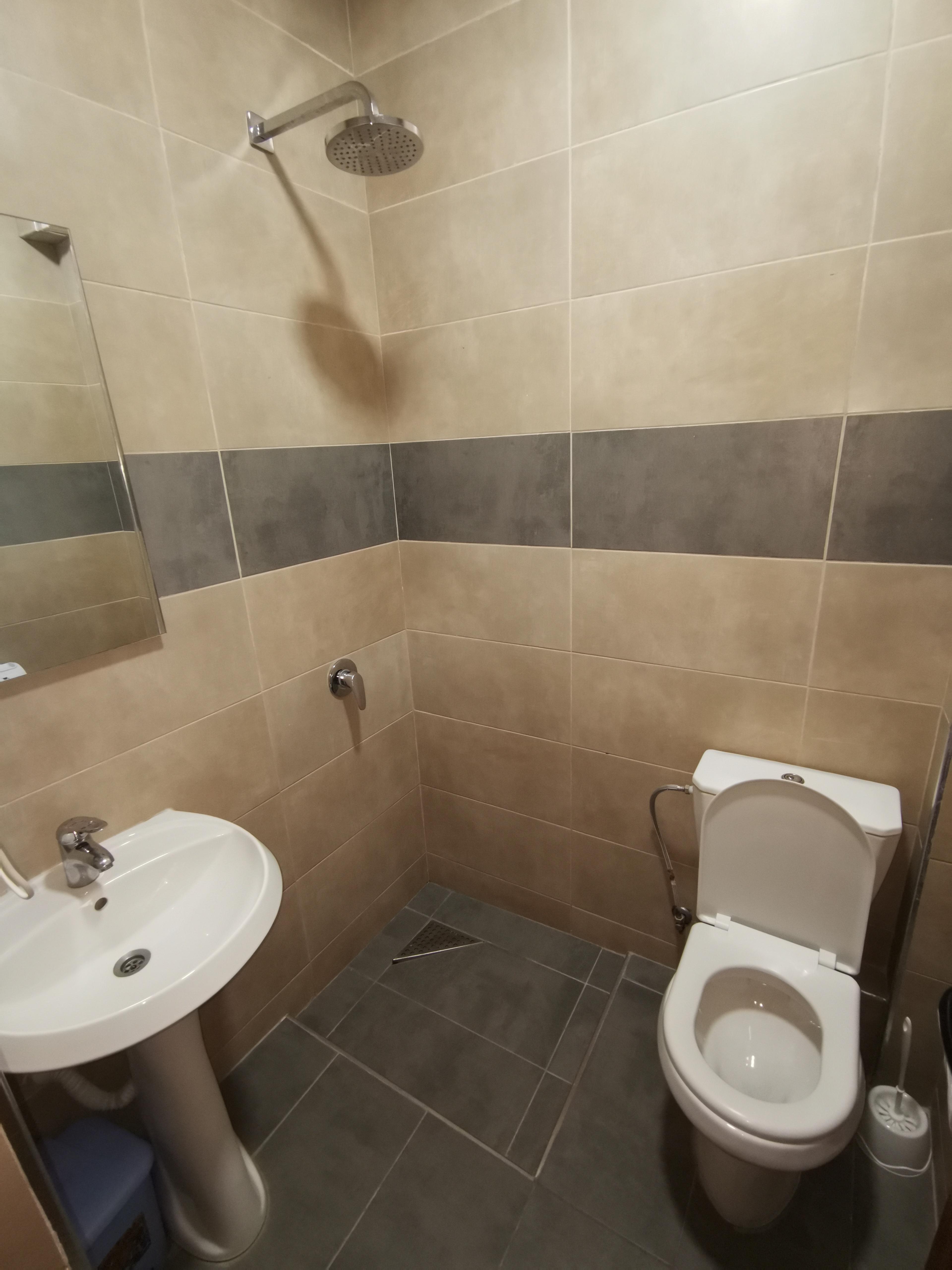 Letovanje Albanija hoteli, Saranda, autobus, Hotel Perla, kupatilo