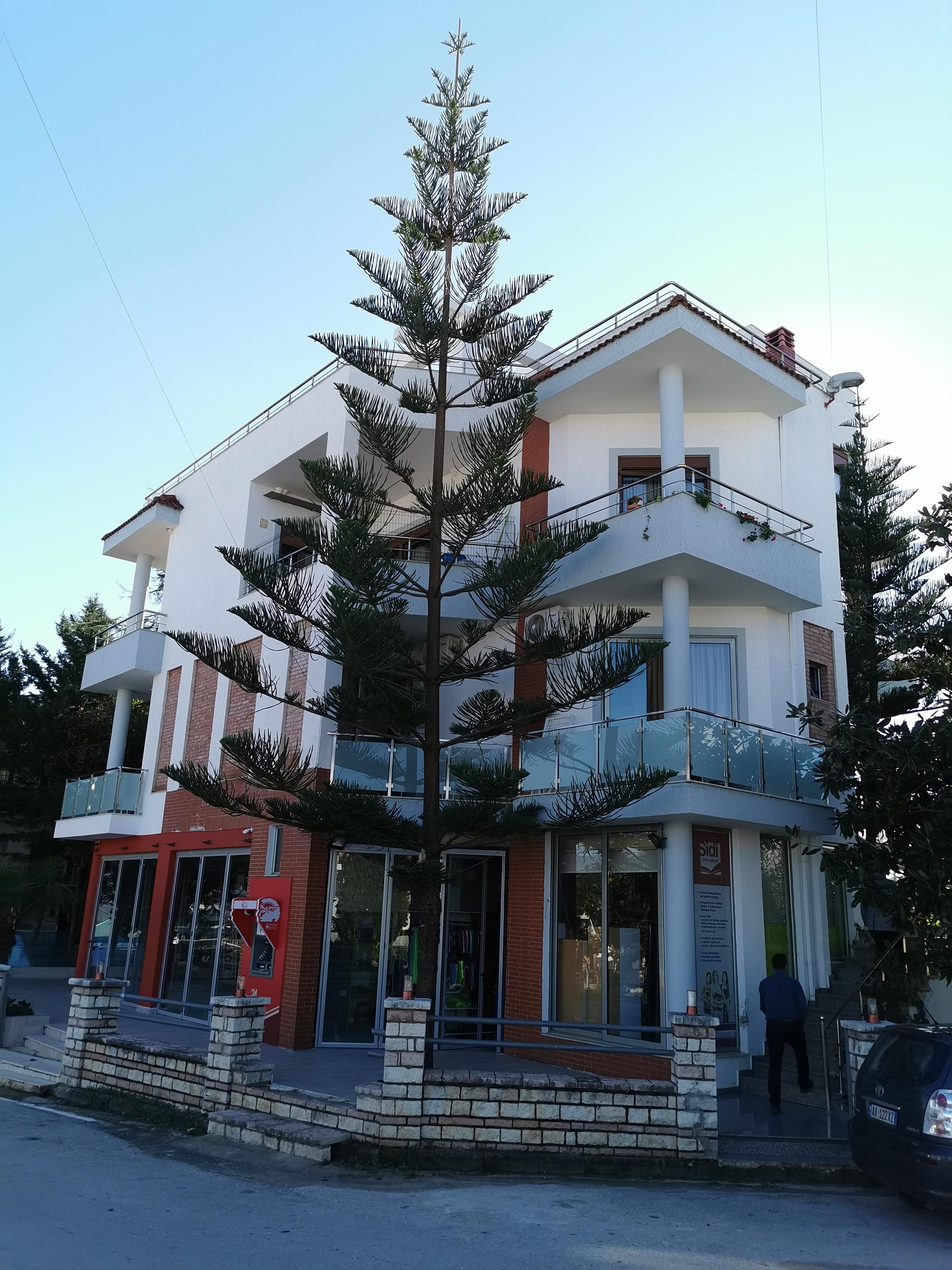 Letovanje Albanija hoteli, Ksamil, autobus, Hotel Joni, spoljni izgled