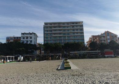 Šetalište ispred hotela Albanian star