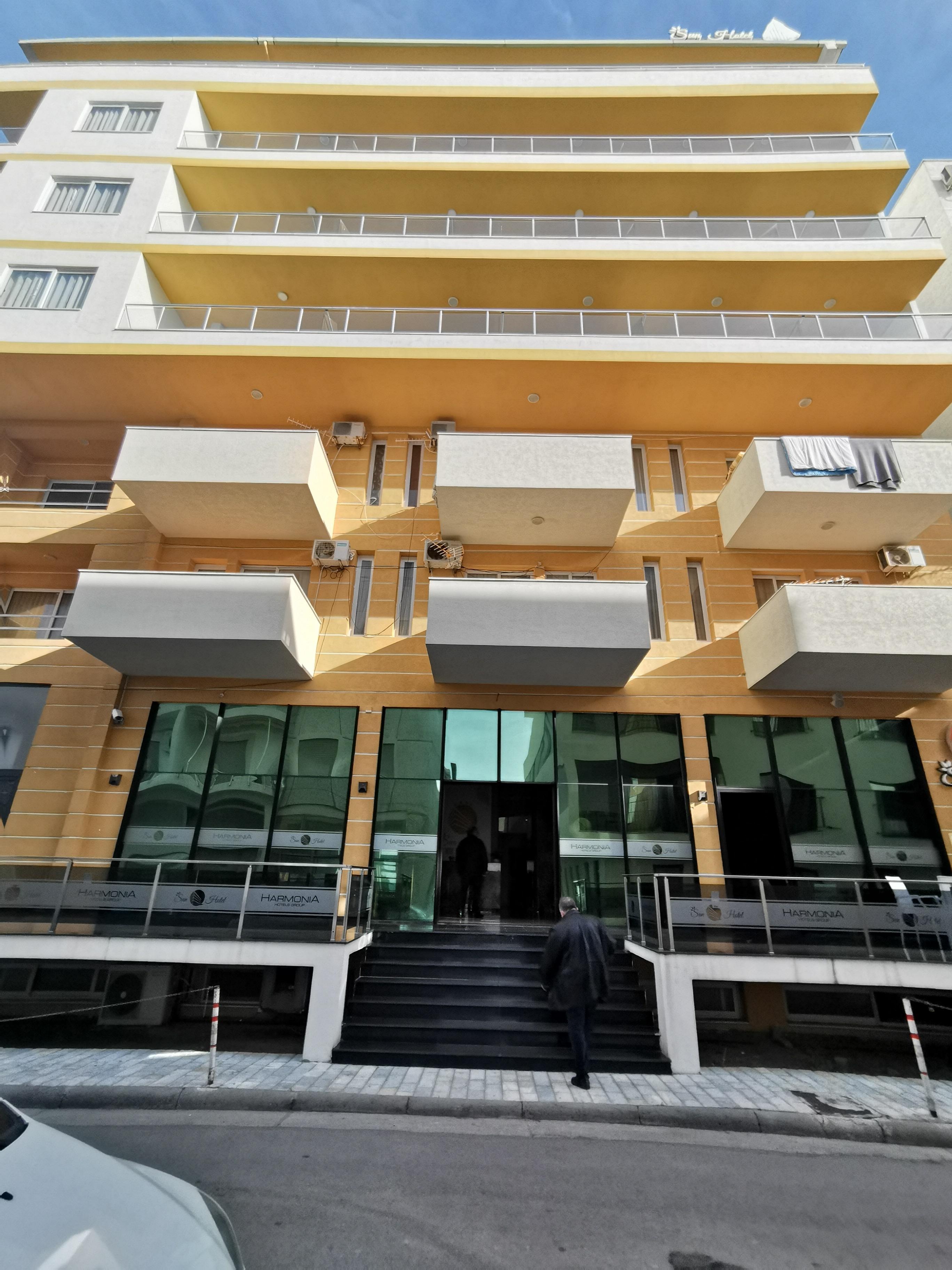 Letovanje Albanija autobusom, Drač Hotel Sun,eksterijer