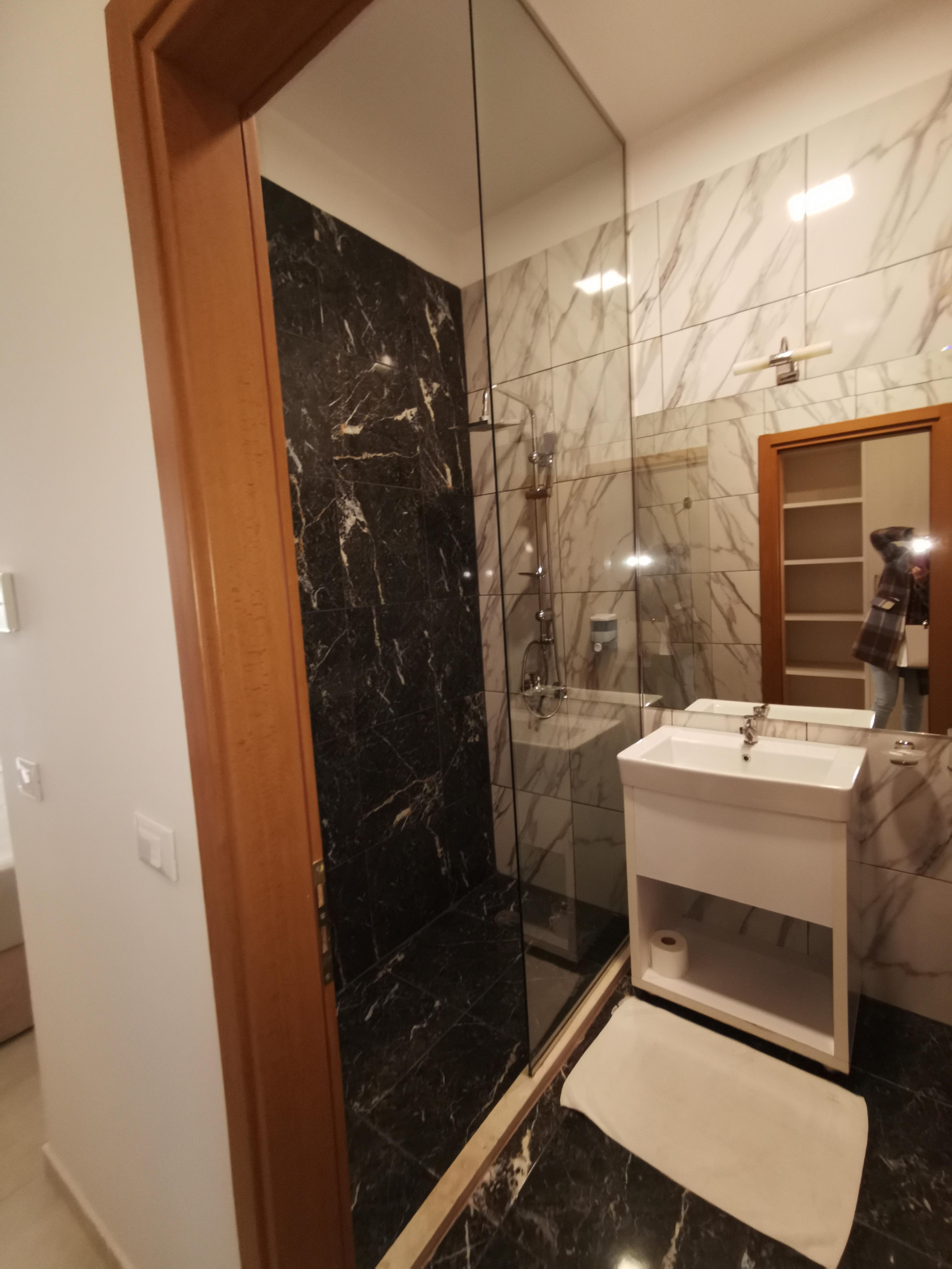 Letovanje Albanija autobusom, Drač Hotel Horizont,toalet