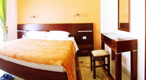 Letovanje Albanija autobusom, Saranda, hotel Mediterrane,soba izgled