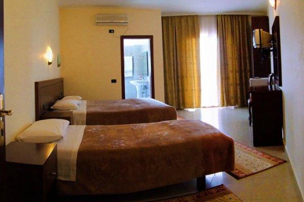 Letovanje Albanija autobusom, Saranda, hotel Mediterrane,soba