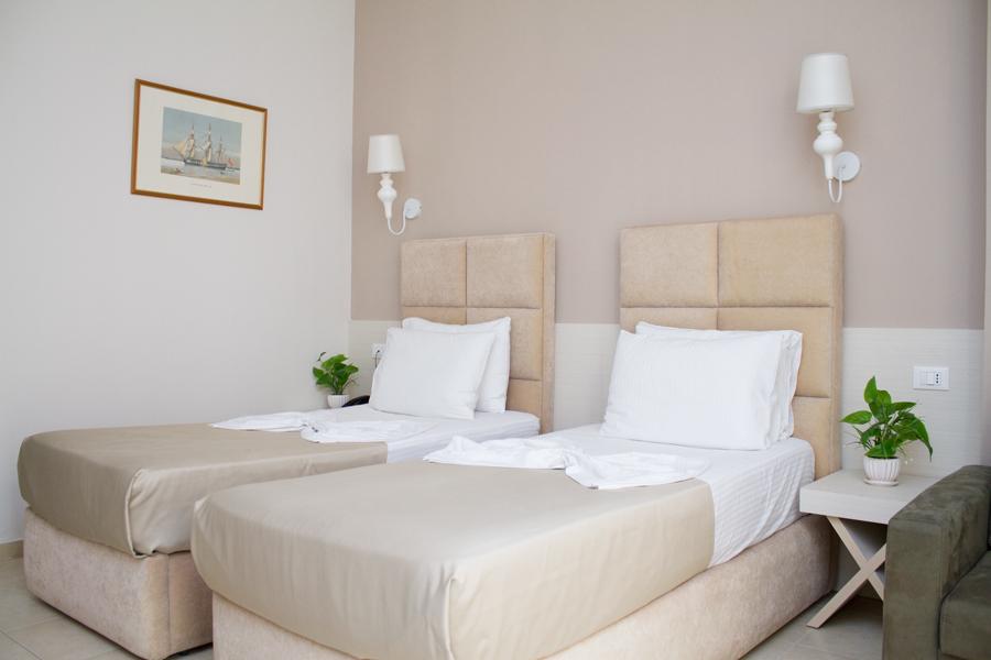 Letovanje Albanija autobusom, Drač Hotel Horizont,soba