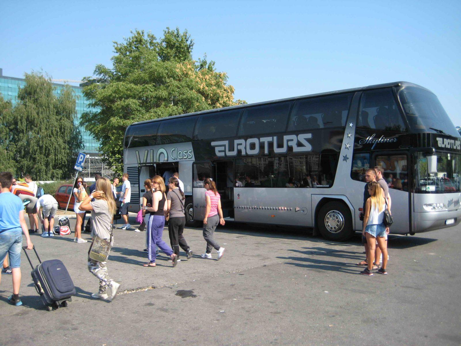 Autobus Neoplan, Upoznajte Srbiju Bus