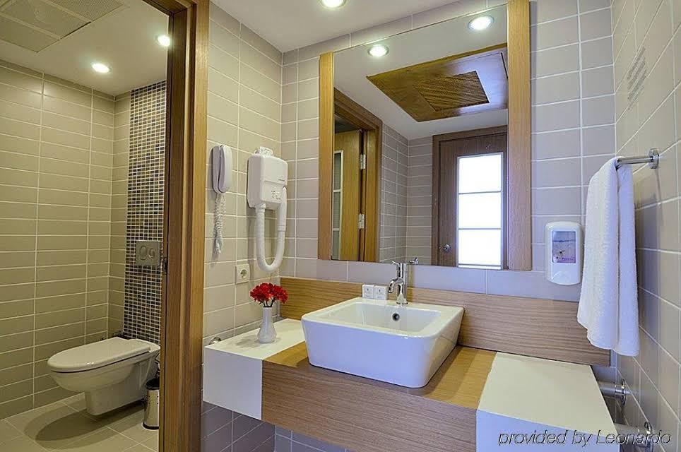Letovanje Turska autobusom, Kusadasi, Hotel Adakule,kupatilo