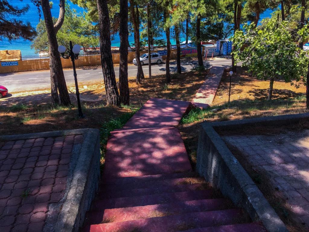 Letovanje Turska autobusom, Čanakkale, Hotel Troja Tusan, spenište u bašti