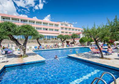 Grcka hoteli letovanje, Krf, Perama,hotel Alexandros,spolja