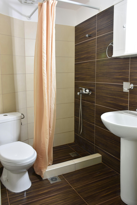 Grcka hoteli letovanje, Paralija, Erato, kupatilo