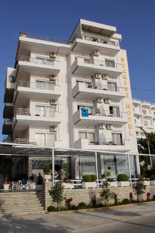 Letovanje Albanija hoteli, Saranda, autobus, Hotel Sunrise,eksterijer
