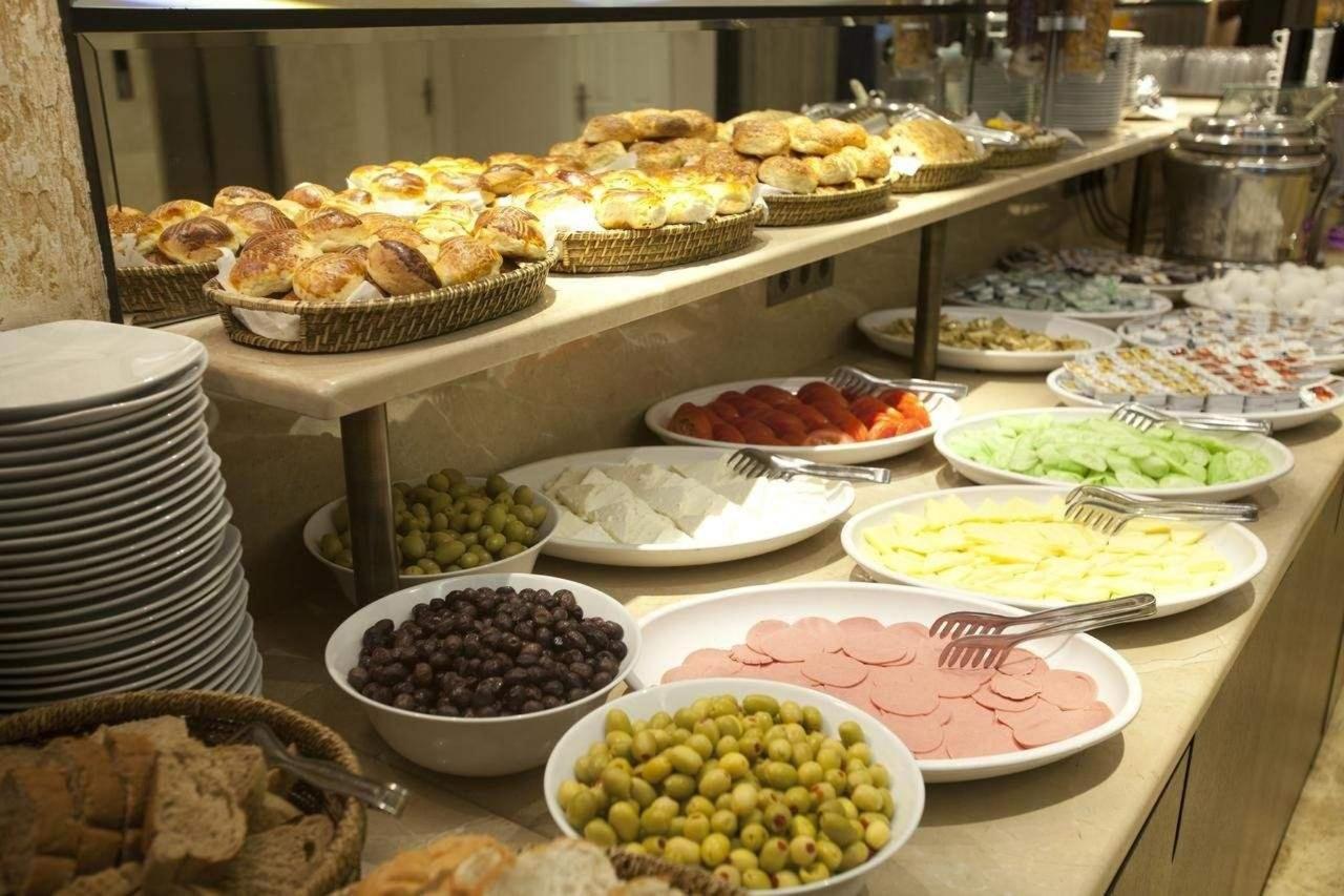 Putovanje Istanbul, evropski gradovi, hotel Grand Laleli, doručak