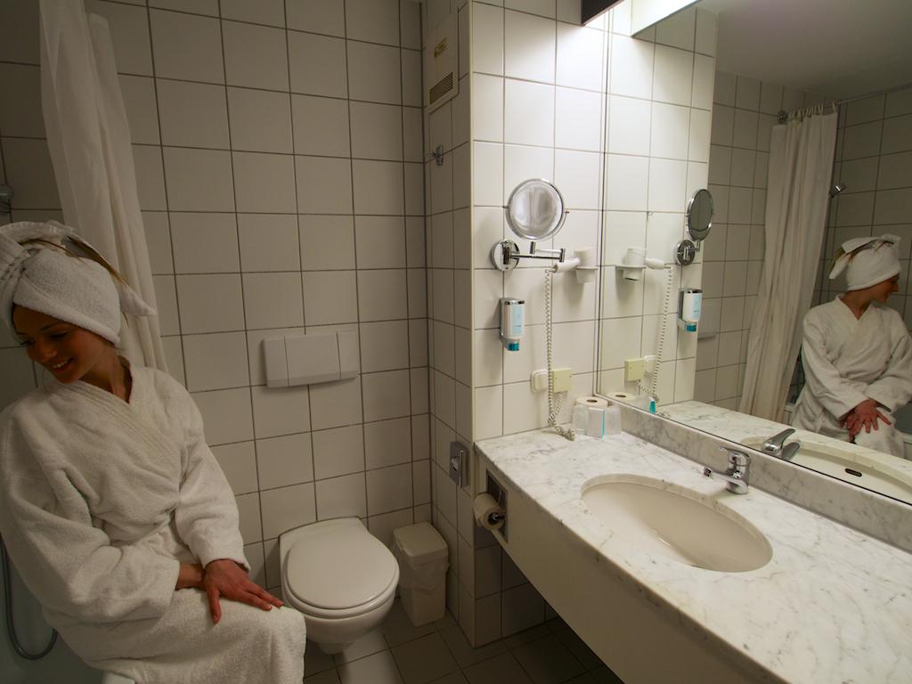 Putovanje Beč, evropski gradovi, hotel Arion city,izgled kupatila