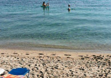 Polihrono, leto grcka halikidiki apartmani, plaža - kristalno čisto more