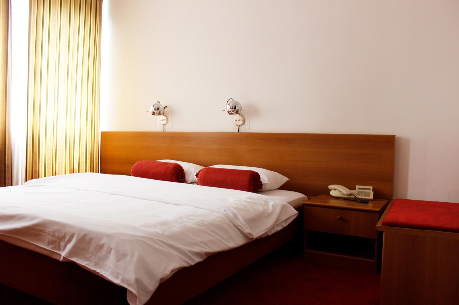 Putovanje Trebinje, Sarajevo, Mostar, Višegrad evropski gradovi, city break, hotel Grand, soba